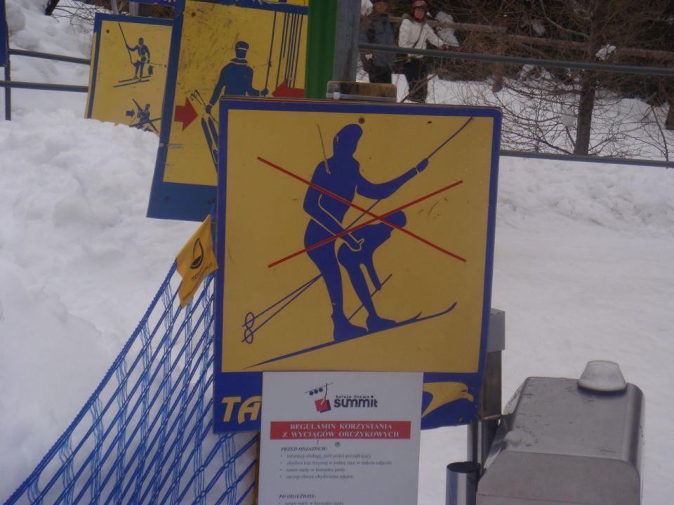 Verboden te ... in de skilift??